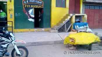 Ilave: Comerciantes ocupan calles impidiendo que electores tengan espacio para esperar para emitir su voto - radioondaazul.com