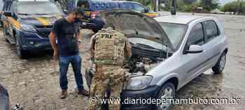 Suspeitos de praticar assaltos são detidos na BR 232, em Bezerros - Diário de Pernambuco
