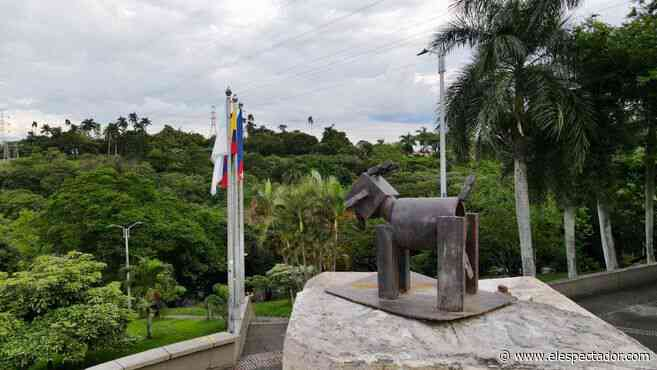 Una cabra reemplaza la estatua de Sebastián de Belalcázar en Cali - El Espectador
