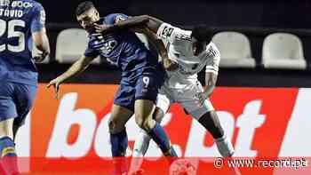 O onze do FC Porto para o jogo com o Farense: Marega começa no banco - Record