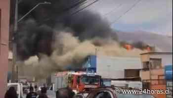 Incendio grandes proporciones Iquique - Tarapacá - 24horas - 24Horas.cl