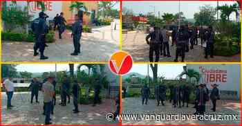 Policías municipales de Cerro Azul paran labores - Vanguardia de Veracruz