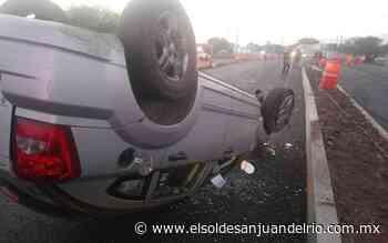 Vuelca auto en la carretera Tequisquiapan-Querétaro - El Sol de San Juan del Río