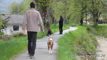 Oberammergau/ Regeln für Hundebesitzer: Jetzt steht fest, wo die Anleinpflicht gilt - Merkur.de