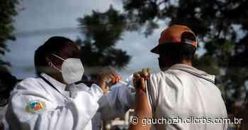 Enfermeiras de Cachoeira do Sul percorrem praças, becos e vielas para vacinar moradores de rua contra o coronavírus - GauchaZH