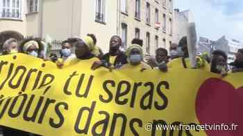 Ivry-sur-Seine : une marche silencieuse en mémoire de Marjorie, adolescente de 17 ans tuée - Franceinfo