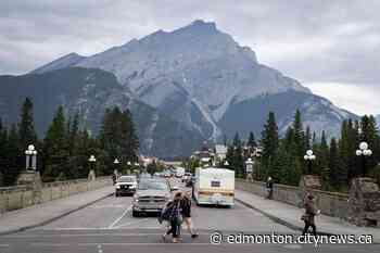 Avoid Banff, Canmore this long weekend, pleads Parks Canada - CityNews Edmonton