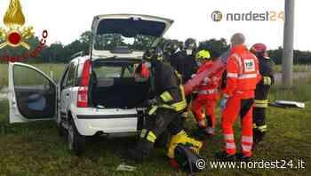 Scontro tra due auto ad Aviano: occupanti incastrati, estratti dai pompieri - Nordest24.it