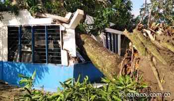Vendaval dejó casas colapsadas y daños en redes eléctricas en Bolívar - Caracol Radio