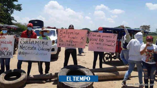 En Salamina, bloquean el ferry para exigir soluciones a la erosión - El Tiempo
