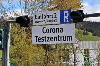 Lange Schlangen vor dem neuen Testzentrum - Titisee-Neustadt - Badische Zeitung
