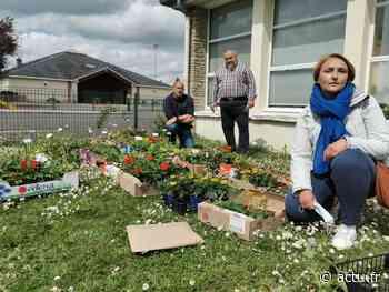 Breteuil. L'association de parents d'élèves Les Crayons Bretoliens a vendu 1 200 plants - Le Réveil Normand