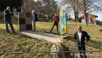 Aktion in Kollnburg - Blühbeet im Bibelgarten angelegt - idowa