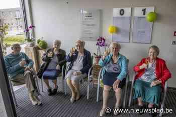 Vier schoonzussen zien elkaar na een jaar terug, ook al wonen ze op hetzelfde adres