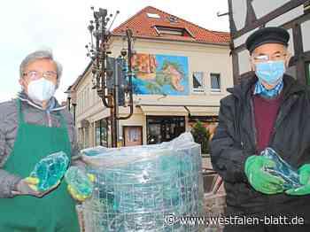 Glockenbrunnen in Vlotho wird 35 Jahre alt – Verschönerungsaktion zum Jahrestag: Türkiser Kristall bringt neuen Glanz - OWL - Westfalen-Blatt