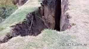 El temporal se llevó otros 40 metros de barrancas y arrancó viejos árboles - SL24