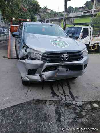 Le hurtan y chocan el vehículo policial en San Miguelito - Mi Diario Panamá