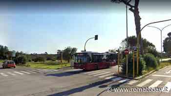 Incidente via Colombo: auto abbatte semaforo dopo scontro con altra vettura, ferite due sorelle - RomaToday