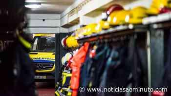 Um morto e 12 feridos em incêndio num prédio em Gondomar - Notícias ao Minuto