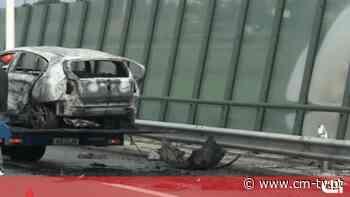 Carro incendeia-se após despiste na A43 em Gondomar - CMTV