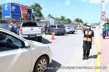 Detran-PE em parceria com Ipojuca realizou blitz de orientação de velocidade nas vias nesta segunda - Diário de Pernambuco