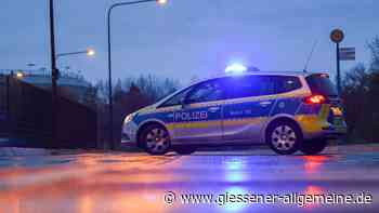 Nach Crash-Serie in Buseck: Polizei trifft flüchtigen Fahrer zu Hause an – schlafend - Gießener Allgemeine