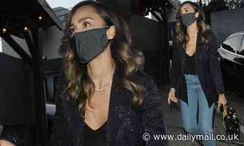 Jessica Alba looks effortlessly stylish as she steps out for dinner at Craig's - Daily Mail