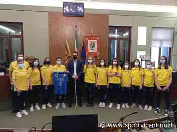 """""""Passerella"""" in Provincia per le ragazze dell'Hockey Club Valdagno vincitrici della Coppa Italia - Sportvicentino.it"""