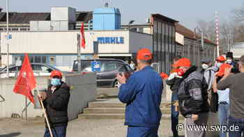"""Protest gegen Stellenabbau: """"Wir sind Mahle"""": Warnstreik der IG Metall in Eislingen - SWP"""