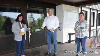 Erste Abfallpatin in Kierspe: Auf Tour mit Handschuh und Greifer - Meinerzhagener Zeitung