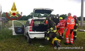 Aviano/Scontro in rettilineo: due estratti dai pompieri - Giornale Nord Est