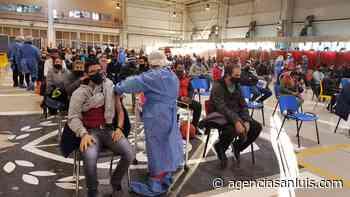 Continúa el operativo de vacunación: en Villa Mercedes fueron citados 450 vecinos - Agencia de Noticias San Luis