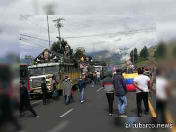 Tangua en Nariño sigue en paro y con bloqueo de la vía - TuBarco