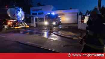 Incêndio em fábrica de plásticos na Marinha Grande dá prejuízo de um milhão de euros - Correio da Manhã