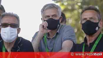 José Mourinho no treino de Vasco Seabra - Record