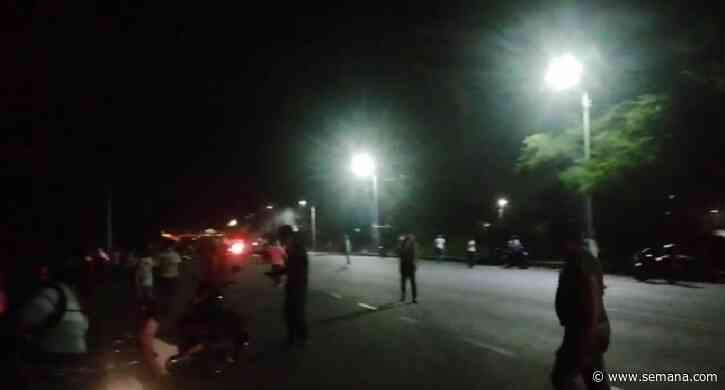 Batalla campal entre habitantes y manifestantes en Jamundí - Semana