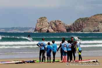 Un club de surf de Biarritz verbalisé à Hendaye : le nouveau partage des plages - Sud Ouest