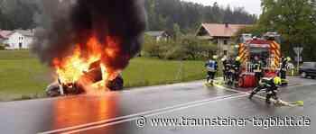 Auto steht auf St2105 plötzlich in Flammen - Traunsteiner Tagblatt