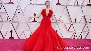 Amanda Seyfried's Oscars 'after-party' featured breast pump, a glass of water - The Indian Express