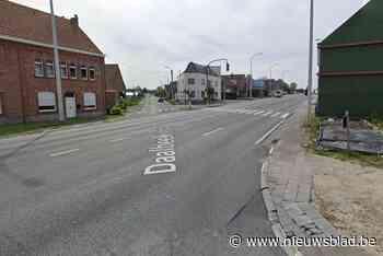 Dertiger krijgt half jaar rijverbod voor dodelijke aanrijding op Ninoofsesteenweg - Het Nieuwsblad