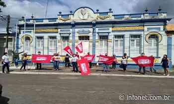 Em greve, professores de Itaporanga exigem pagamento do piso salarial - Infonet