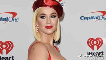 Katy Perry hebt ihre Klamotten für Daisy auf - VIP.de, Star News