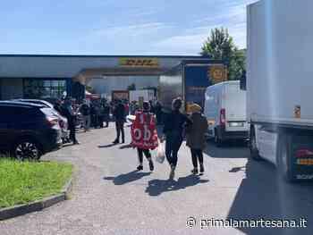 Lavoratori in protesta fuori dai magazzini Dhl a Settala e Liscate - Prima la Martesana