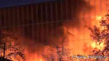 Incendio se registra en fábrica de espuma de la comuna de San Bernardo - 24Horas.cl