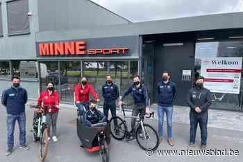 """Fietsenzaak krijgt met Ride with a Woman recordaantal vrouwen op de fiets: """"Dit keer in fietsbubbels"""" - Het Nieuwsblad"""