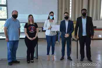 Prefeitura de Nova Serrana faz entrega de certificados a integrantes de grupos reflexivos para autores de violência doméstica - G1