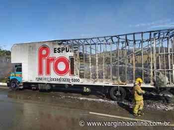 Caminhão carregado com espuma pega fogo na BR-459 em Pouso Alegre - Varginha Online