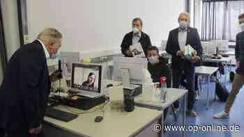 Nidderau: Bertha-von-Suttner-Schule schafft in der Corona-Pandemie über 200 Tablets an - op-online.de