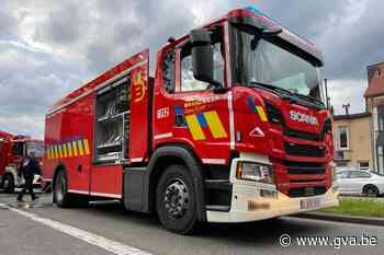 Nagelnieuwe brandweerwagen krijgt vuurdoop bij dakbrandje (Borsbeek) - Gazet van Antwerpen