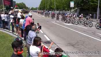 Il Giro d'Italia nell'Alto Mantovano: il passaggio a Castel Goffredo - Gazzetta di Mantova